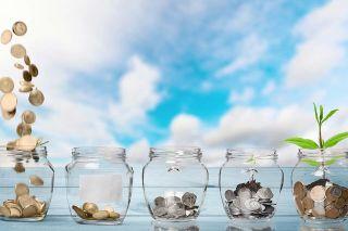 Foto: Münzen in Gläsern