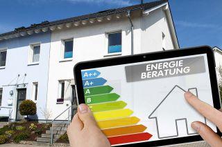 Foto: Haus und Energieplakette